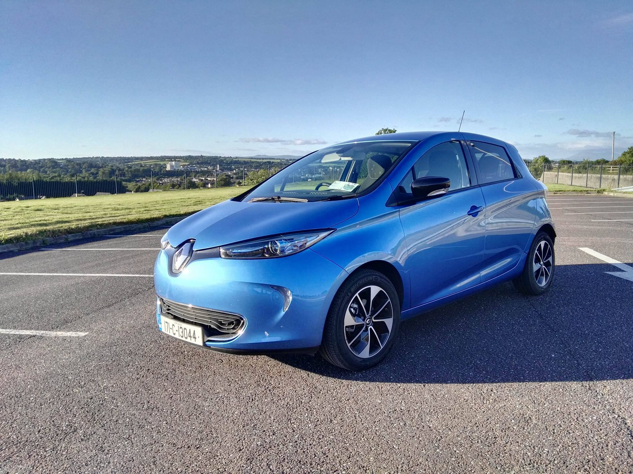 the renault zoe ze40 lands in ireland and yes battery is. Black Bedroom Furniture Sets. Home Design Ideas